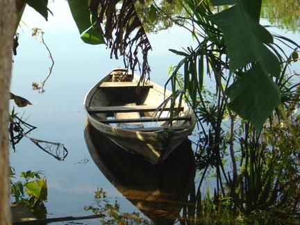 brazil-canoe-in-river